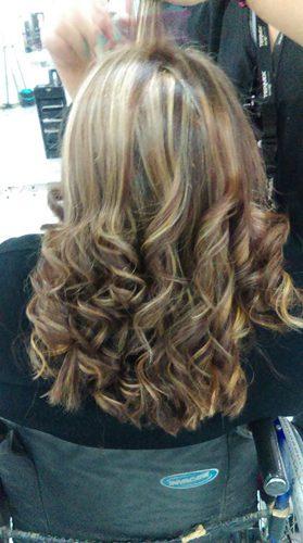Peinado ondulado cabello corto