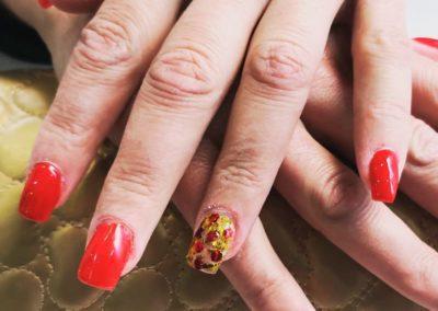 decoración uñas rojas Reus